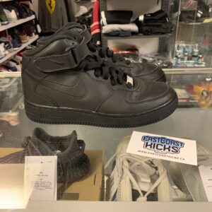 Preowned Black Air Force 1 Size 5.5 Y