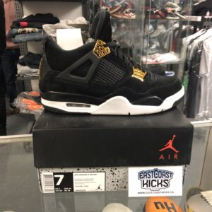 Preowned Jordan 4 Royalty Size 7