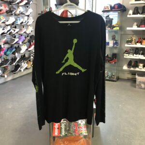 Preowned Jordan Long Sleeve Black / Green Size XL