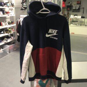 Preowned Nike Sportswear Hoodie Size L