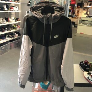 Preowned Nike Wind Breaker Grey Black Size XL