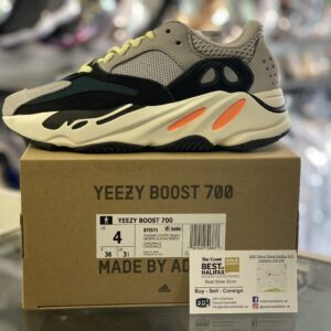 Adidas Yeezy 700 Wave Runner Size 4Y