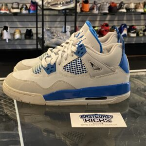 Preowned Jordan 4 Military Blue Size 4Y