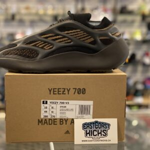 Adidas Yeezy 700 Clay Brown Size 10