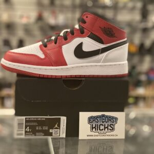 Jordan 1 Mid White Heel Chicago Size 4Y