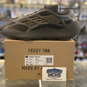 Adidas Yeezy 700 Clay Brown Size 12